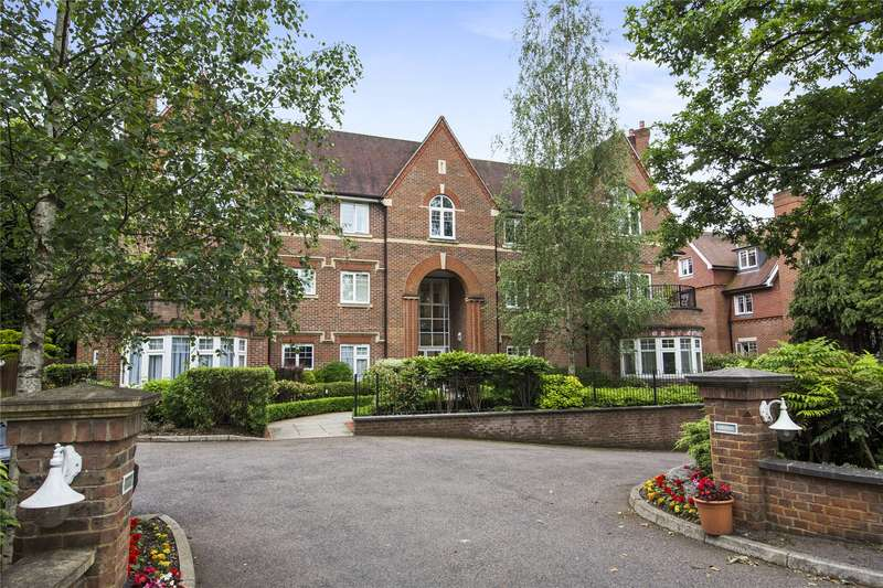 2 Bedrooms Flat for sale in Queen Elizabeth House, 50 Queens Road, Weybridge, Surrey, KT13
