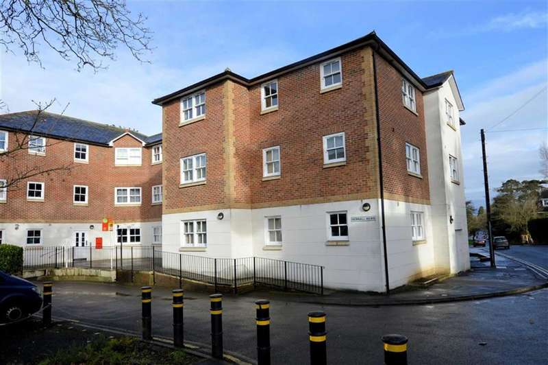 2 Bedrooms Flat for sale in Hemnall Mews, Hemnall Street, Epping