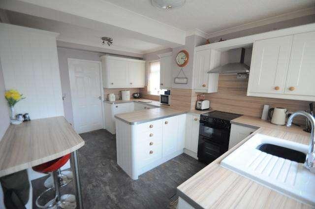 3 Bedrooms Semi Detached House for sale in Langham Road, Thorngumblad, HU12 9QJ