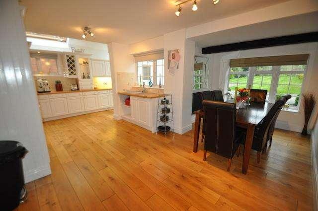 3 Bedrooms Detached House for sale in West Ella Road, Hull, HU10 7SF