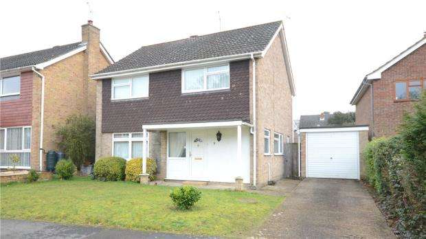 4 Bedrooms Detached House for sale in Sylvan Ridge, Little Sandhurst, Berkshire