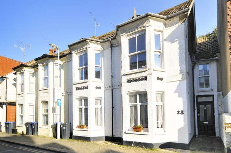 2 Bedrooms Flat for sale in Thorn Road, Worthing