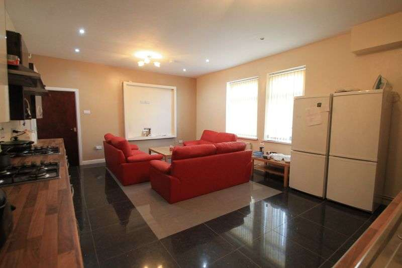 9 Bedrooms Terraced House for rent in Harriet Street, Cardiff