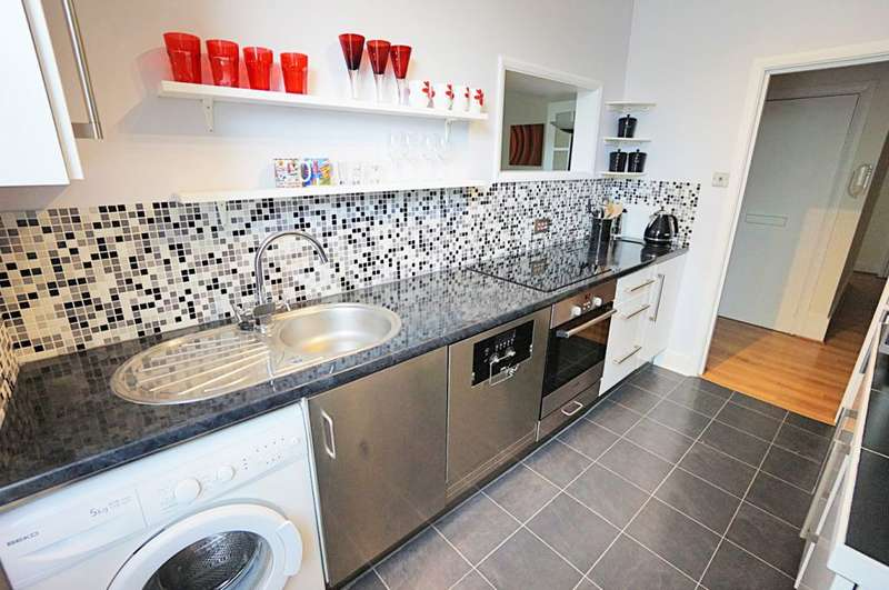 2 Bedrooms Semi Detached House for sale in Salisbury Road, Hove, BN3 3AE