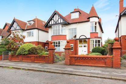 6 Bedrooms Detached House for sale in Balmoral Road, Lytham St. Annes, Lancashire, England, FY8