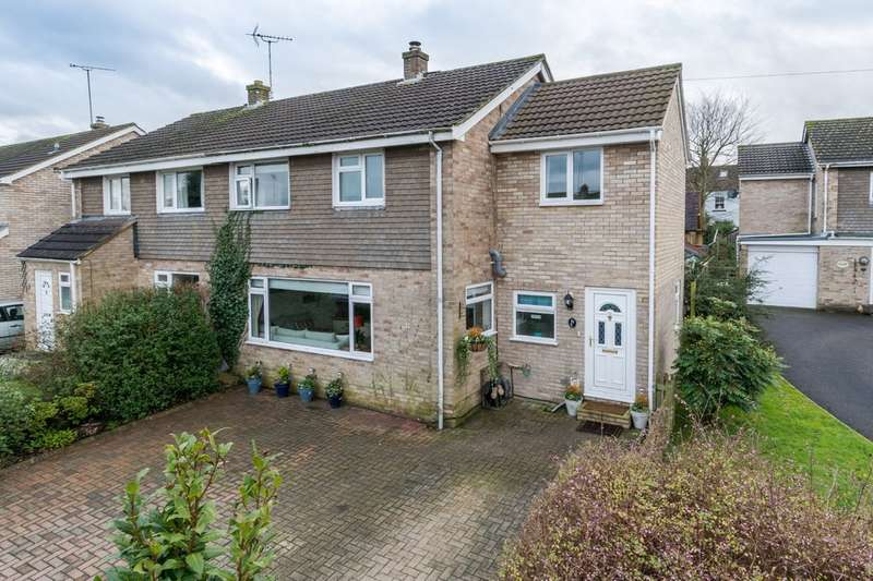3 Bedrooms Semi Detached House for sale in Willow View Close, Malmesbury