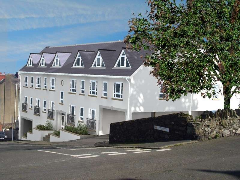 2 Bedrooms Flat for sale in Gellings Avenue, Port St Mary, IM9 5BG