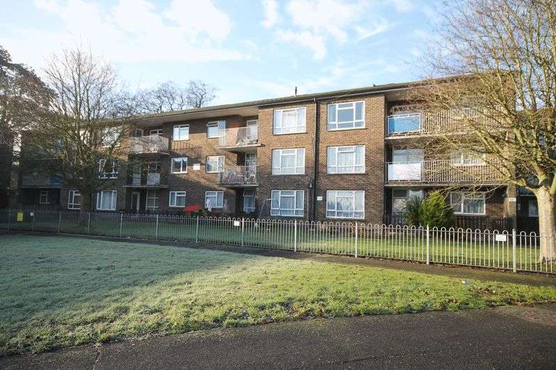 2 Bedrooms Flat for sale in Victoria Road, Emsworth