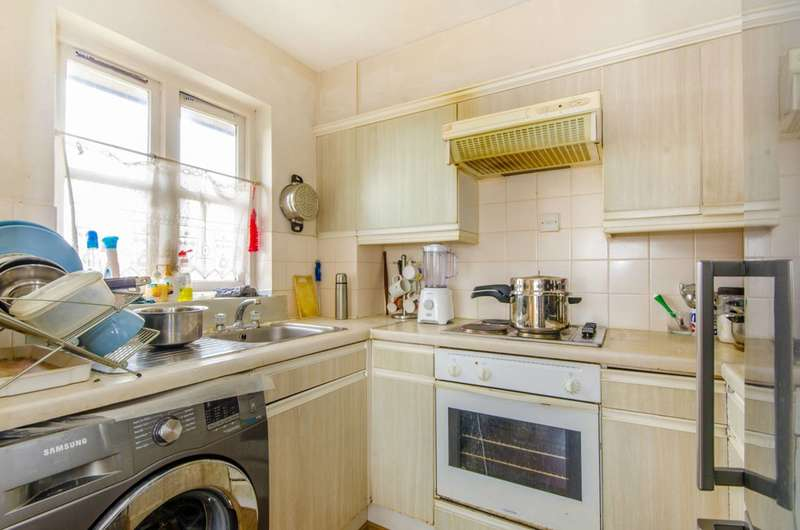 1 Bedroom Flat for sale in Conifer Way, Wembley, HA0