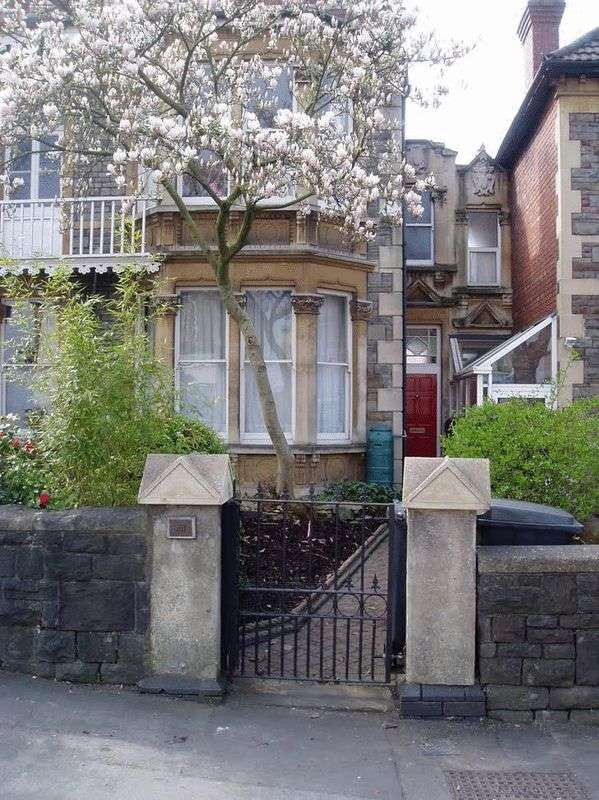 8 Bedrooms Semi Detached House for rent in Wells Road, Bristol