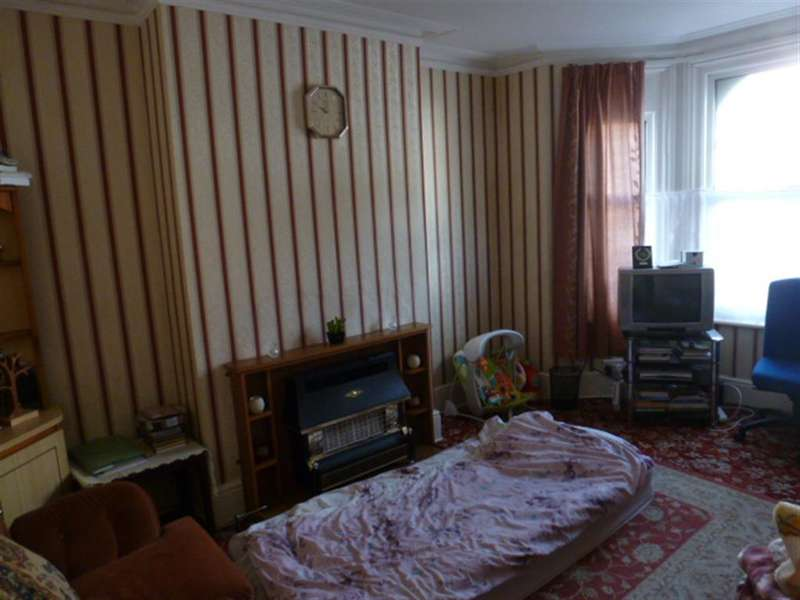 4 Bedrooms Terraced House for sale in Queen Street, Worthing, West Sussex