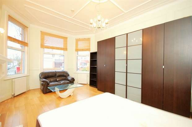 1 Bedroom Flat for sale in Anson Road, Willesden Green, London