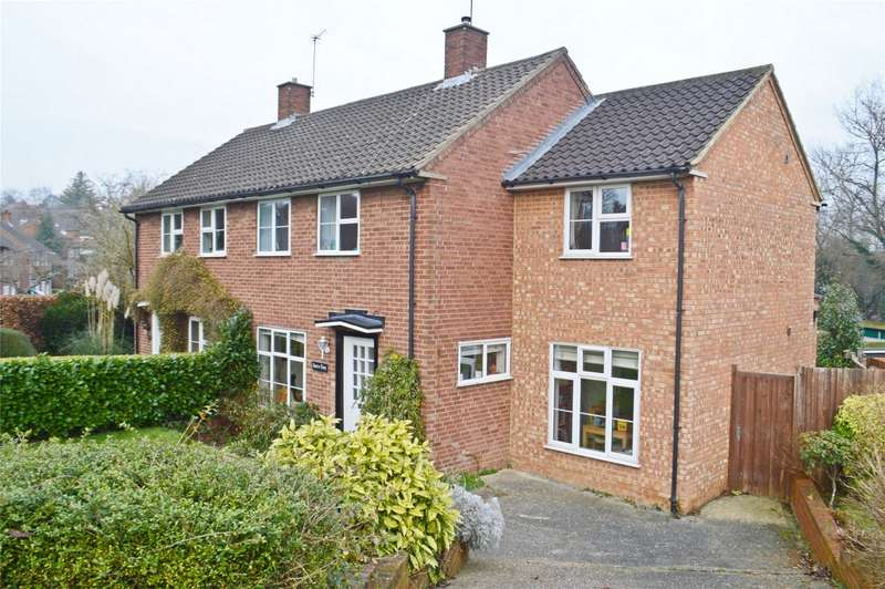 3 Bedrooms Semi Detached House for sale in Digswell Rise, Welwyn Garden City, Herts