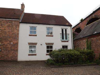 1 Bedroom Flat for sale in Stephenson House, The Old Market, Yarm, Durham