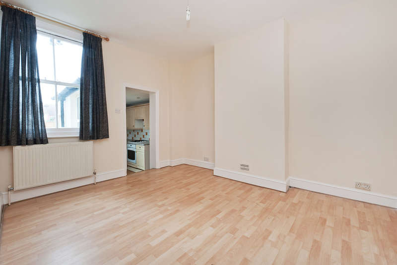 3 Bedrooms Terraced House for sale in Ashbourne Road, Mitcham, CR4