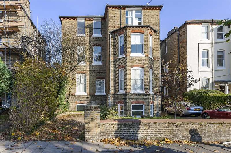 3 Bedrooms Flat for sale in Kidbrooke Grove, London, SE3