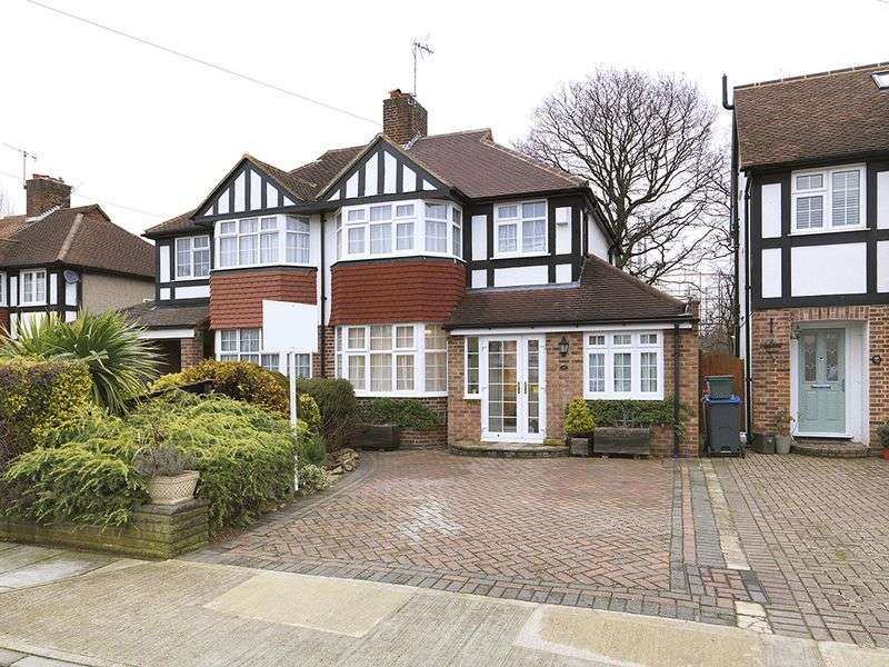 4 Bedrooms Semi Detached House for sale in Bargate Close, KT3
