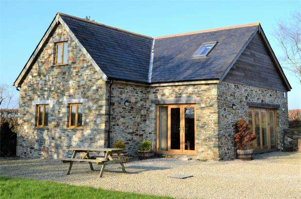 4 Bedrooms Detached House for sale in Trefursdon Barn, Golberdon, Callington