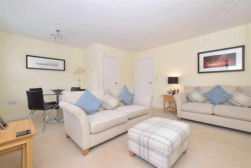 3 Bedrooms Terraced House for sale in Skylark Avenue, Emsworth, Hampshire