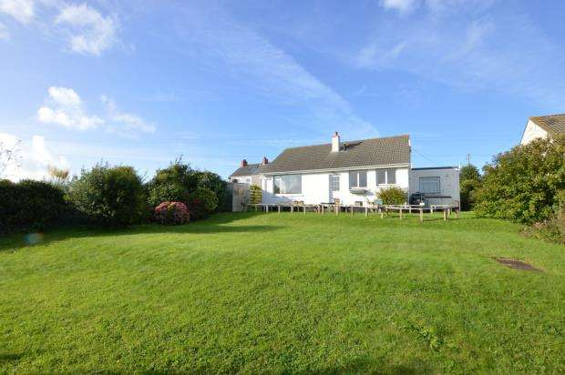 2 Bedrooms Detached Bungalow for sale in Kehelland, Camborne, Cornwall