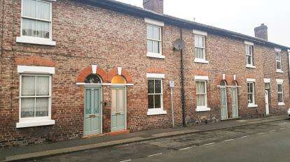 2 Bedrooms Terraced House for sale in South Street, Alderley Edge, Cheshire