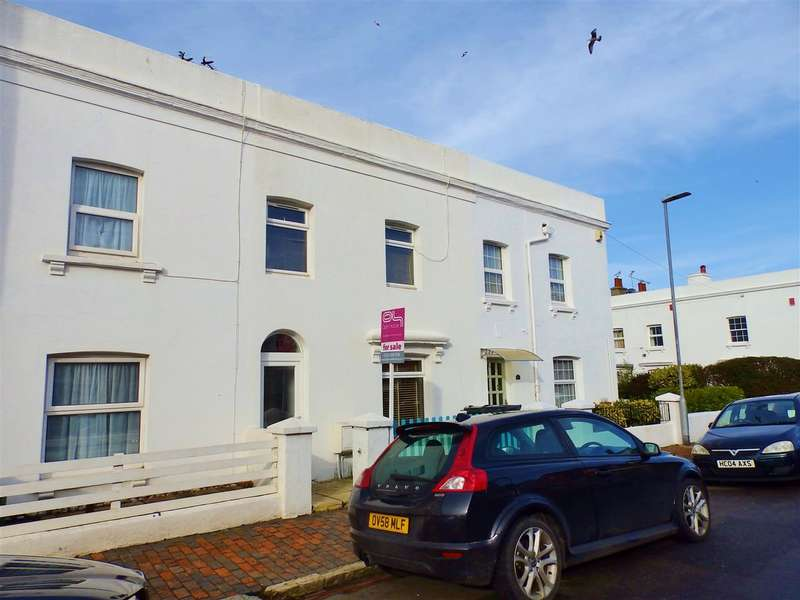 3 Bedrooms Terraced House for sale in Latimer Road, Eastbourne