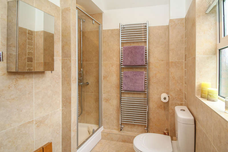 4 Bedrooms Detached House for sale in Leawood Close, Hartford