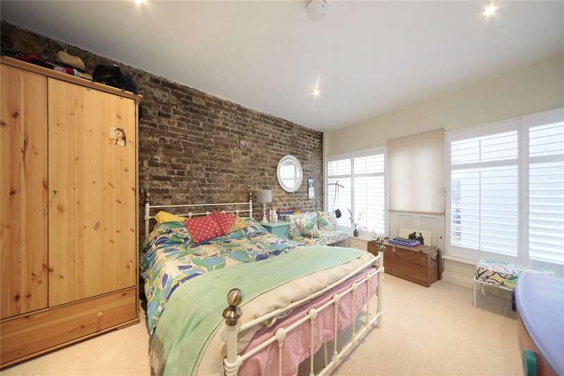 3 Bedrooms Flat for sale in Landor Road, Clapham North, London, SW9