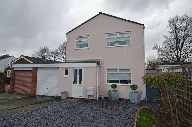 3 Bedrooms Detached House for sale in Close to amenities and level to town centre in Clevedon