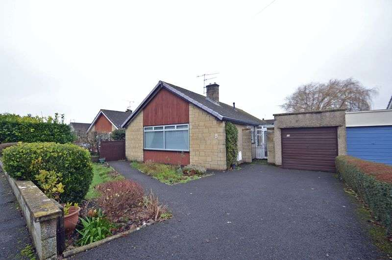 3 Bedrooms Detached Bungalow for sale in Central location in Nailsea
