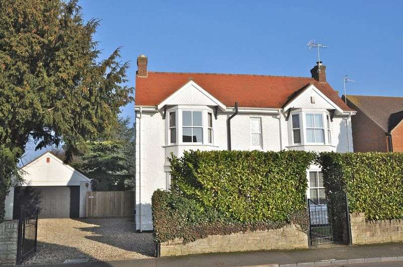 4 Bedrooms Detached House for sale in Badsey Fields Lane, Badsey, Evesham, WR11 7EX