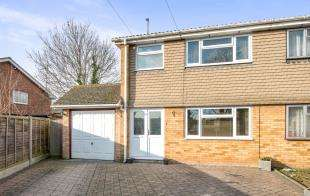 3 Bedrooms Semi Detached House for sale in Brookside, Hoo, Rochester, Kent