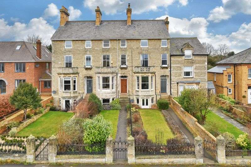 4 Bedrooms Semi Detached House for sale in Tinwell Road, Stamford, Lincolnshire