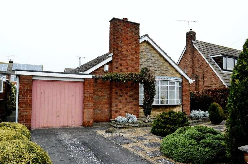 3 Bedrooms Detached Bungalow for sale in Briggate Drive, Messingham
