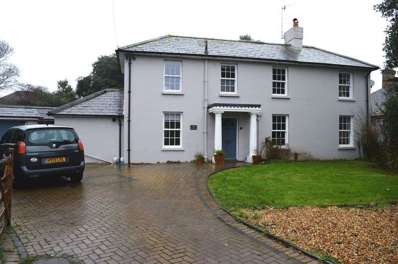 4 Bedrooms Detached House for sale in South Road, Hayling Island.