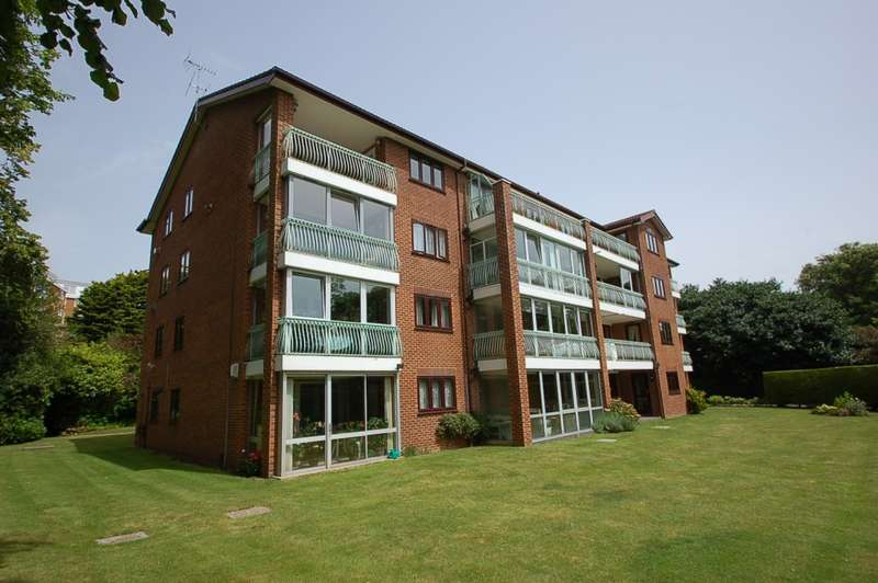 3 Bedrooms Apartment Flat for sale in 46 West Cliff Road, West Cliff, Bournemouth