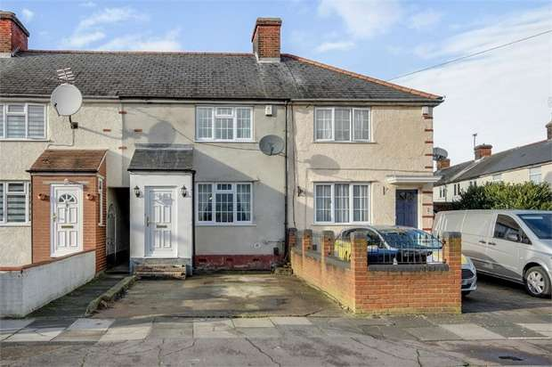 3 Bedrooms Terraced House for sale in Bishops Close, Enfield, Greater London