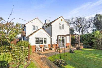 4 Bedrooms Semi Detached House for sale in Greenhill, Evesham, Worcestershire