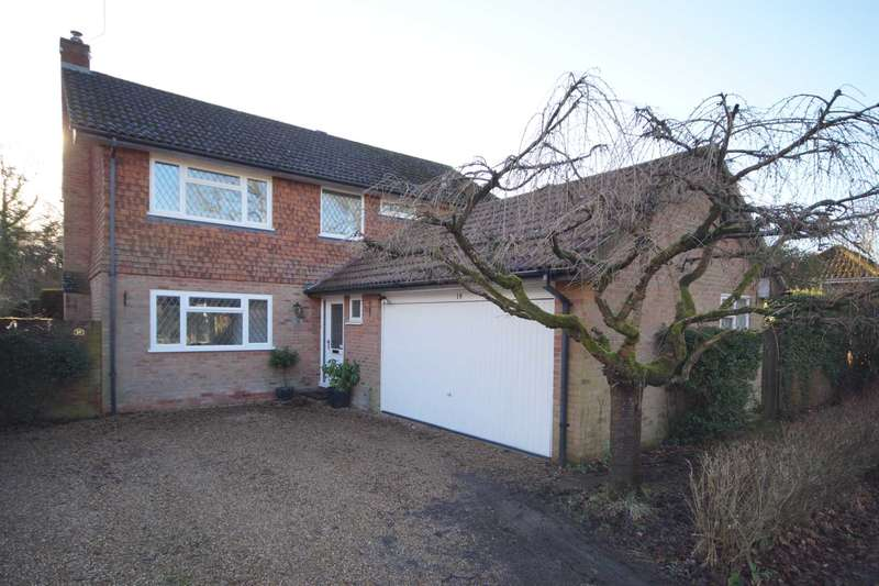 4 Bedrooms Detached House for sale in Grayshott Laurels, Lindford, Hampshire, GU35