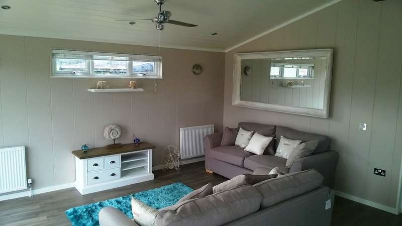 2 Bedrooms Detached House for sale in Shorefield Holiday Park, Milford On Sea