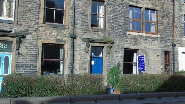 1 Bedroom Terraced House for sale in Woodbine Place Hebden Bridge