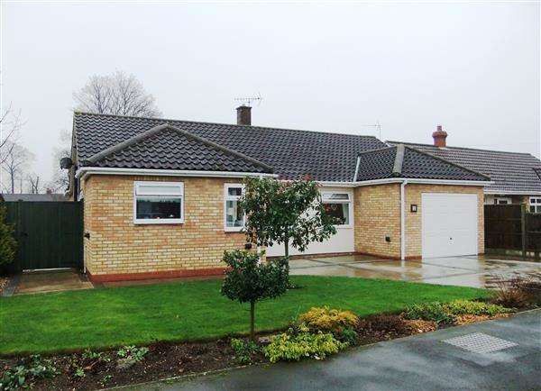 3 Bedrooms Detached Bungalow for sale in West Green, Messingham, Scunthorpe
