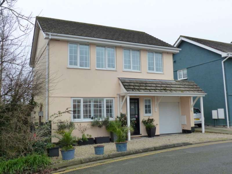 3 Bedrooms Detached House for sale in Knowle House Close, Kingsbridge