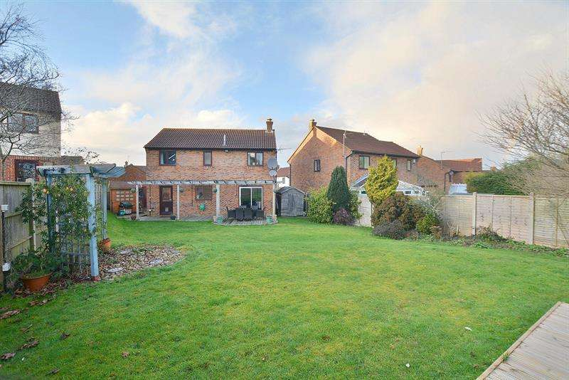 4 Bedrooms Detached House for sale in King Richard Drive, Bearwood, Bournemouth