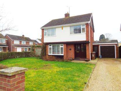 3 Bedrooms Detached House for sale in South Wootton, King's Lynn, Norfolk
