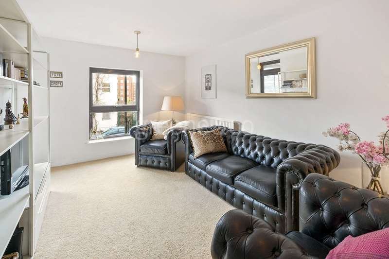 1 Bedroom Flat for sale in Castle Road, Kentish Town, London, NW1