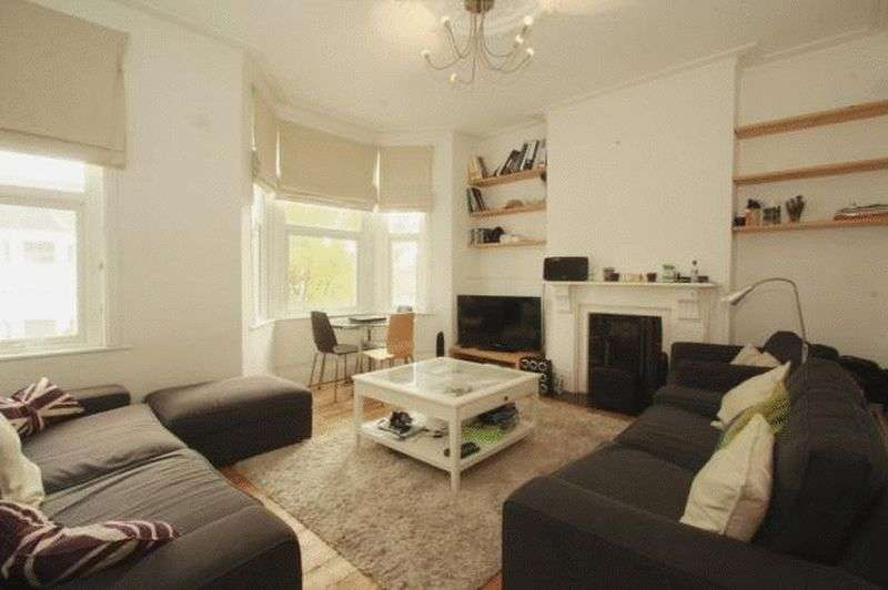 3 Bedrooms Flat for sale in Wakeman Road, Kensal Green