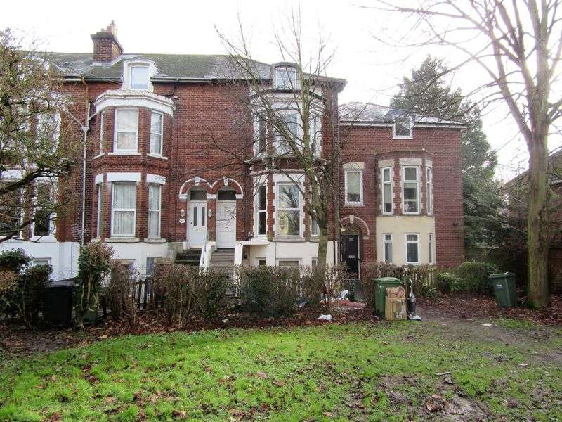 1 Bedroom Flat for sale in Portsmouth Road, Portsmouth