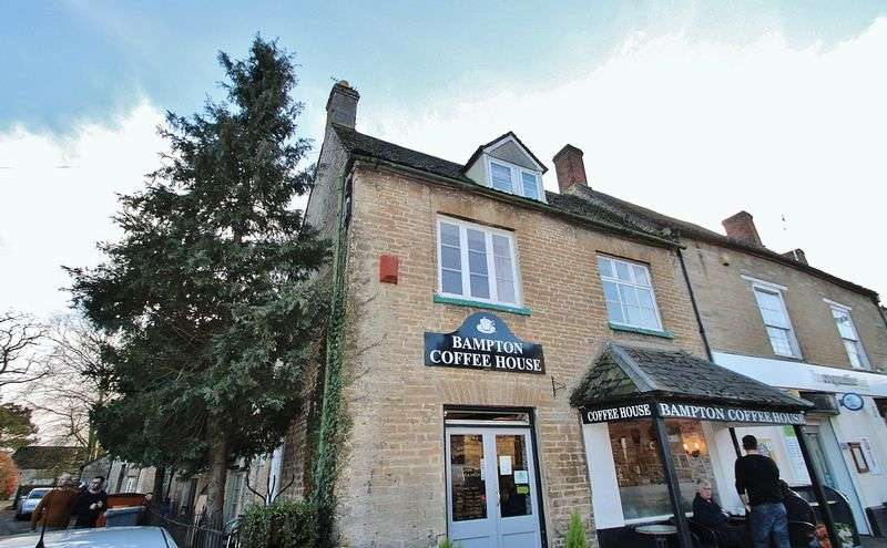 3 Bedrooms Flat for sale in BAMPTON, Moonraker Lane OX18 2JH