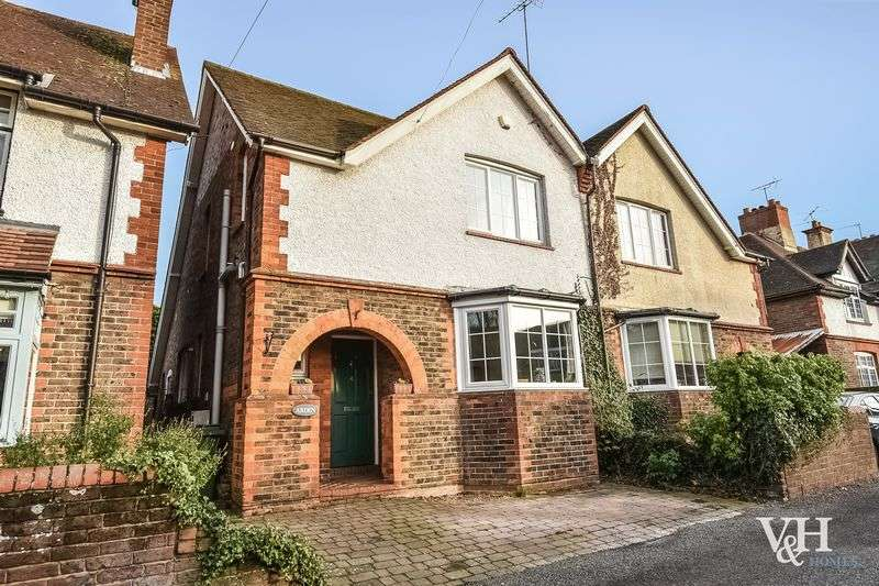 3 Bedrooms Semi Detached House for sale in Eastwick Road, Bookham